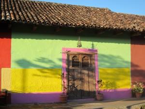 Typické zdobení domu - Granada, Nikaragua