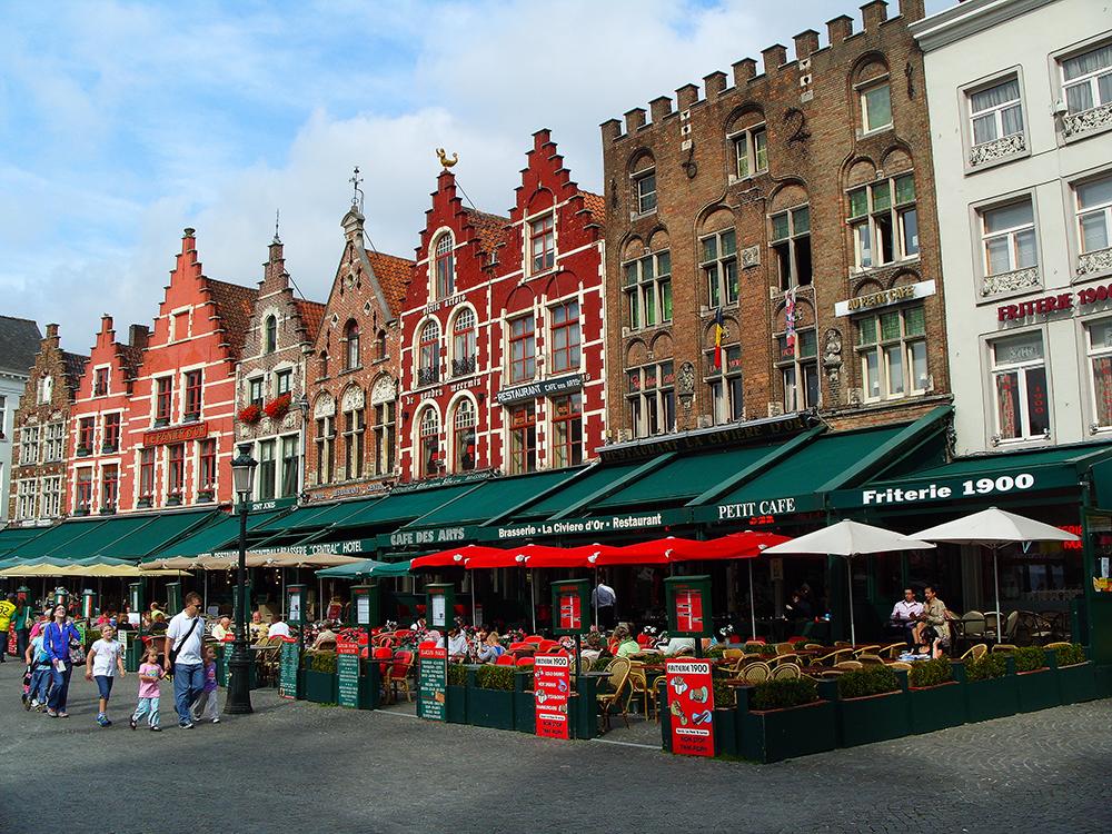Kavárny na náměstí Markt, Bruggy