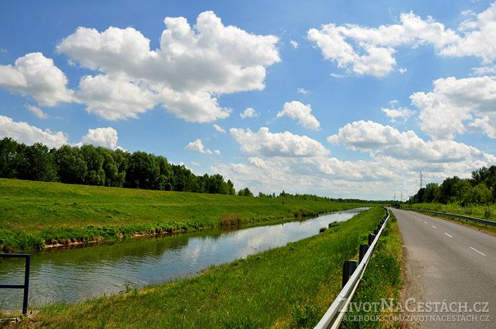 Po cestě směrem na Čunovo