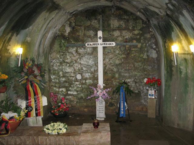 Památník na místě, kde 679 mužů nepřežilo výbuch v muničním skladě.