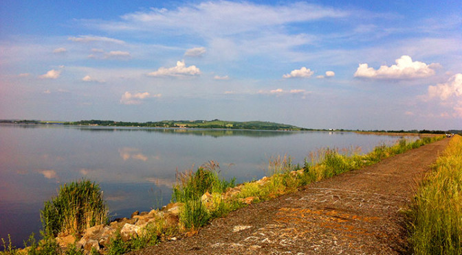 Nové Mlýny - cesta kolem dolního jezera