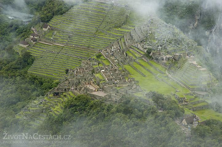 Pohled na Machu Picchu z vrcholu hory Huayna Picchu je opravdu nádhera!
