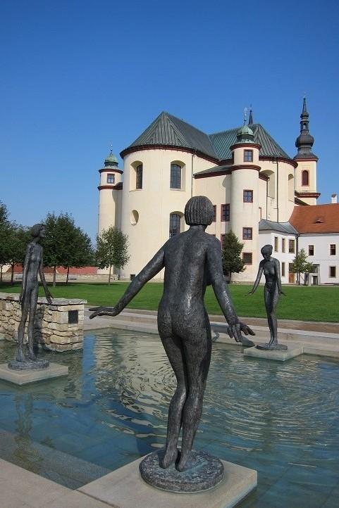Klášterní zahrady se sochami Olbrama Zoubka