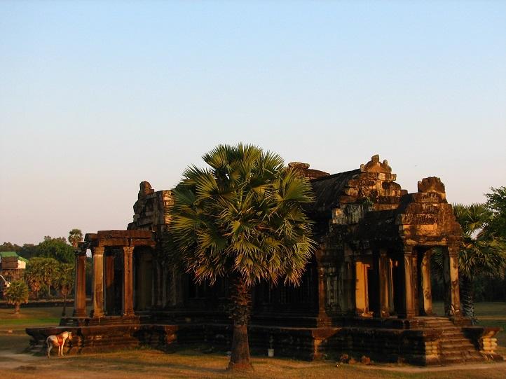 Jeden z mnoha chrámů v Angkoru