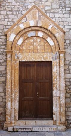 Vstup do kostela Krk