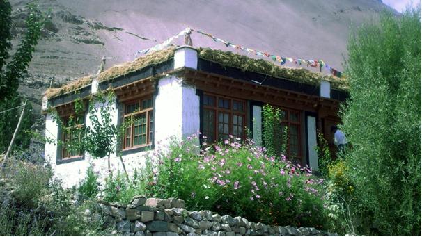 Typický ladacký dům