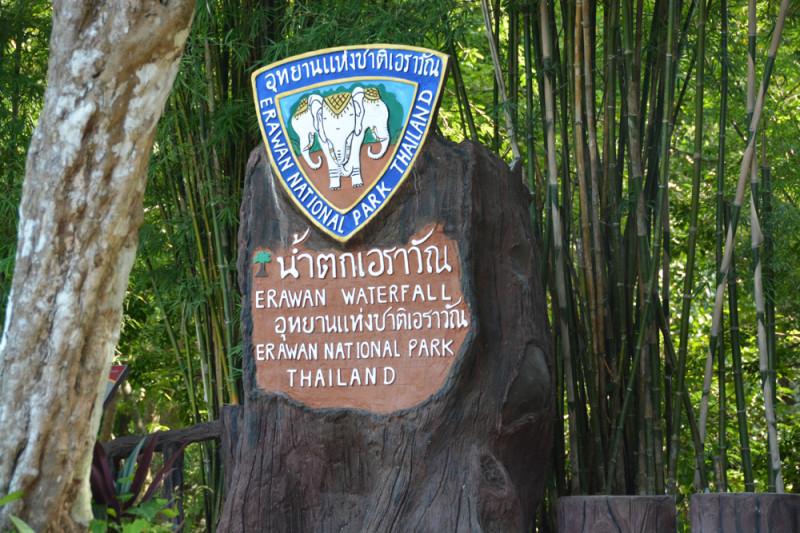 Znak národního parku Erawan, Thajsko.