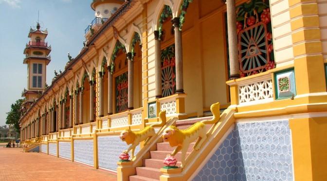 Pestrobarevný chrám Cao Dai, Vietnam