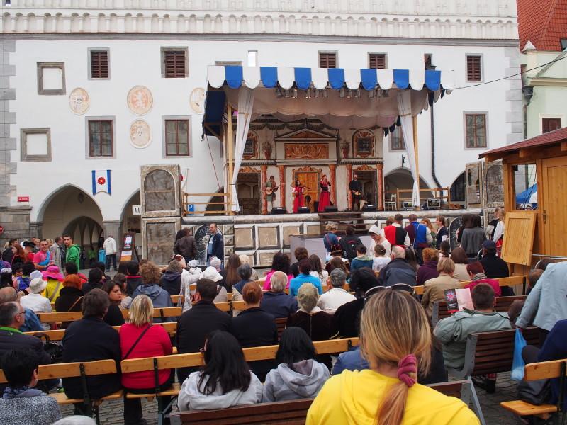 Hudební podium - Náměstí svornosti, Český Krumlov.