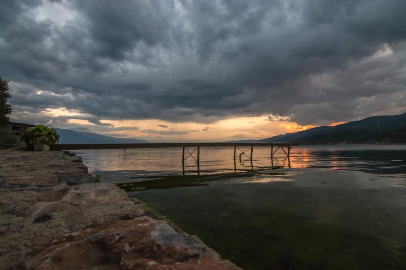 Kvalitně jsme se vyřádili i focením západu Slunce nad jezerem Ohrid, které hrálo opravdu všemi barvami.