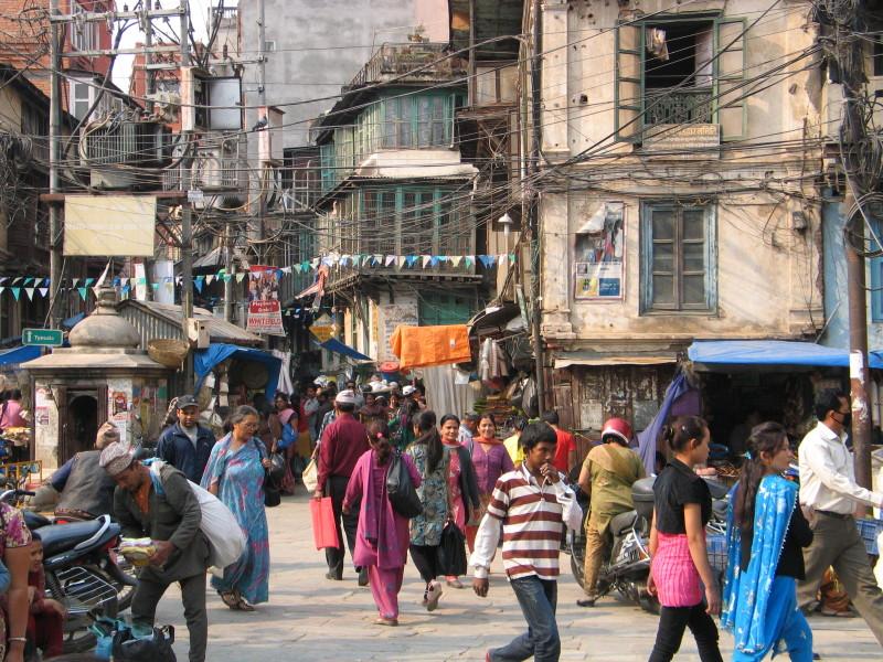 Ulička ve starém městě. Káthmándú, Nepál