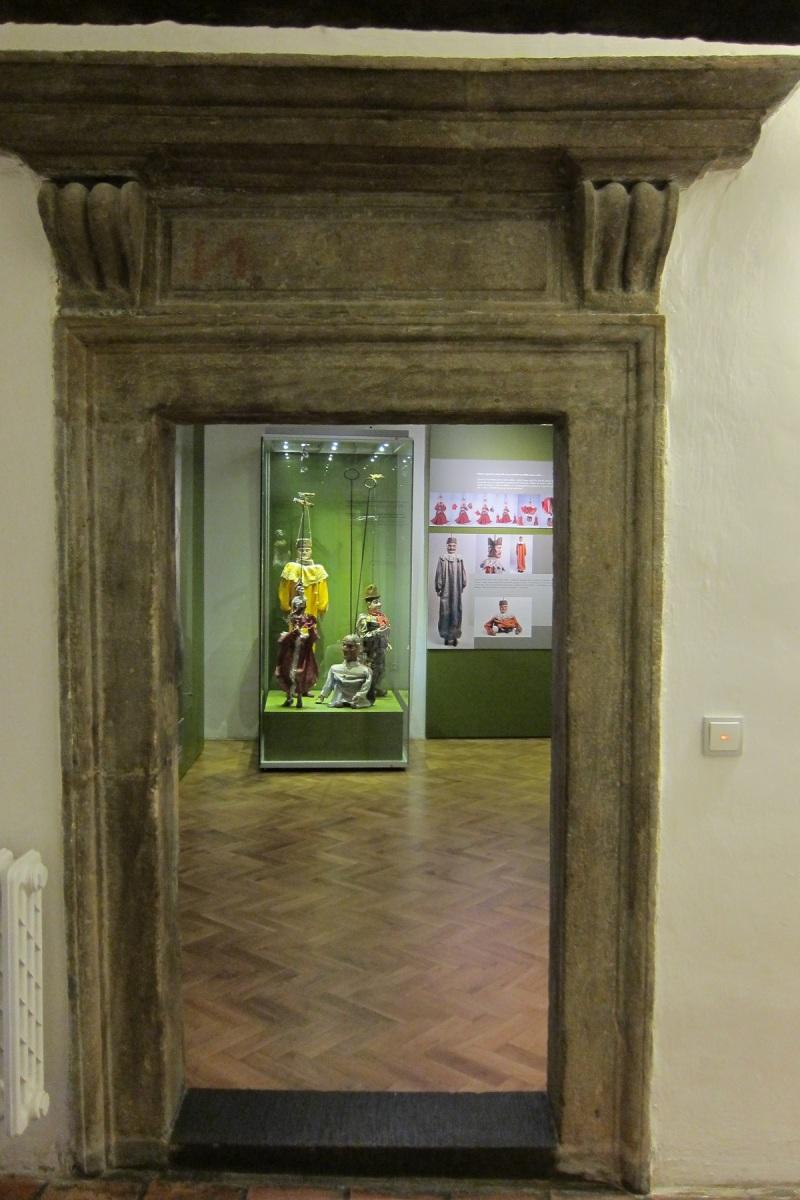 Muzeum sídlí v historických prostorách renesančního, původně gotického Mydlářovského domu