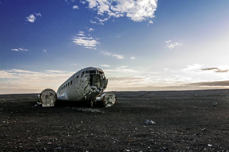 Vrak Dakoty na pláži Sólheimasandur