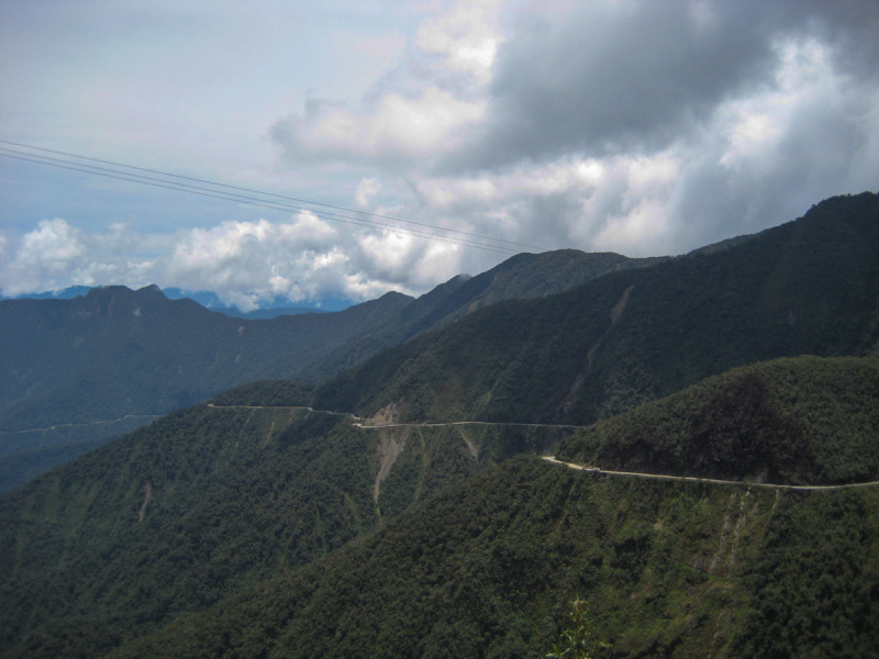 Sjezd nejnebezpečnější silnice světa Death Road – El Camino de la Muerte na kole, La Paz, Bolívie