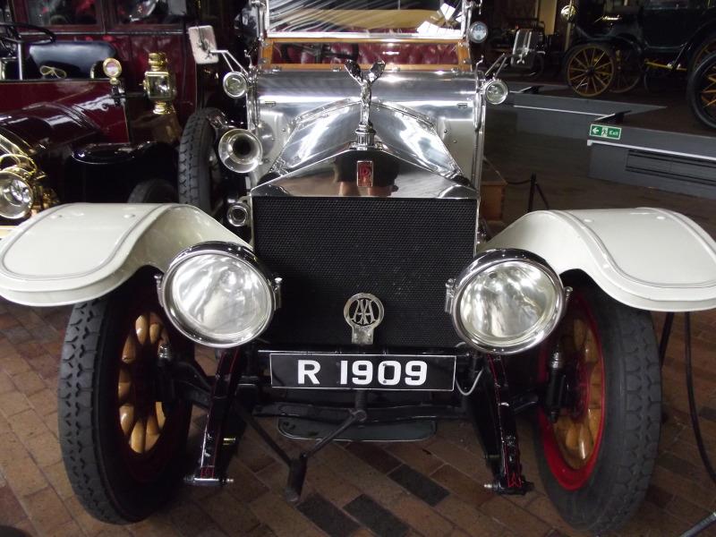 Nerezový Rolls Royce