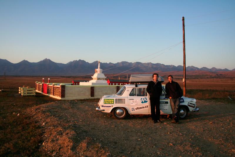 MIchal a Martin si splnili svůj sen - vyrazili kolem světa ve Škodě 1000 MB