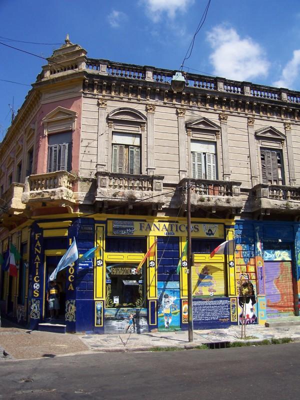 Žlutá a modrá - barvy klubu Boca Juniors