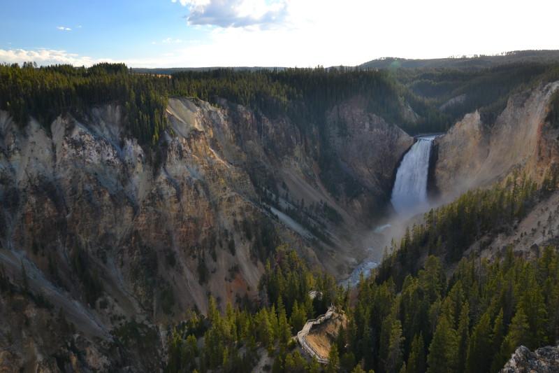 Spodní vodopád v yellowstonském Grand Canyon.