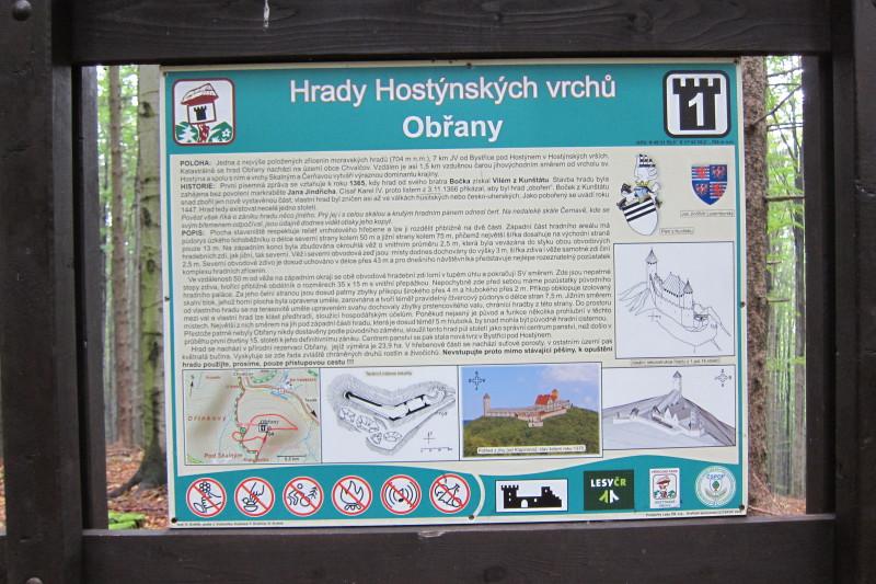 Informační tabule o hradu Obřany včetně zajímavého vyobrazení původní podoby hradu