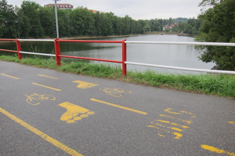 Inline a cyklostezka na hrázi mezi přehradou I. a II.