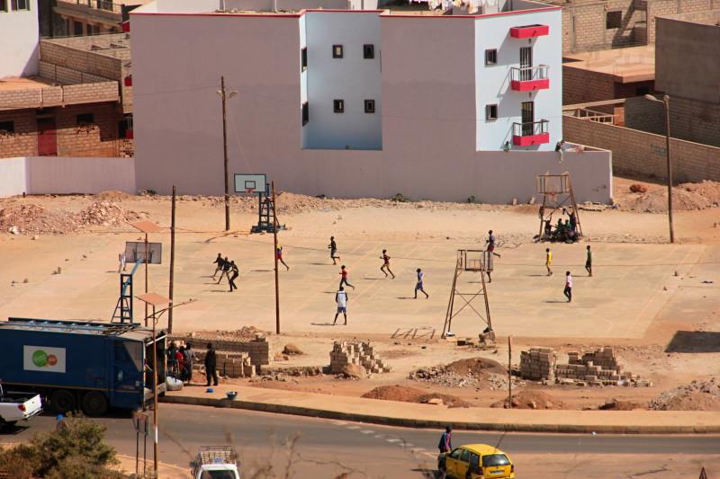 Dakar (foceno od základny monumentu, fotky z vyhlídky v památníku jsou trochu horší kvality, protože se fotí přes ne příliš čisté sklo)