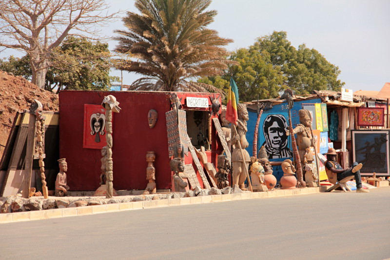 Stánek se suvenýry nedaleko monumentu