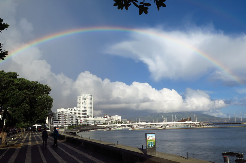 Ponta Delgada – hlavní město, Azory.