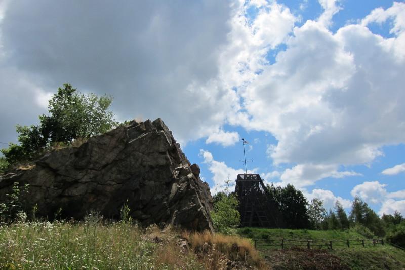 Čertova skalka a rozhledna Bára