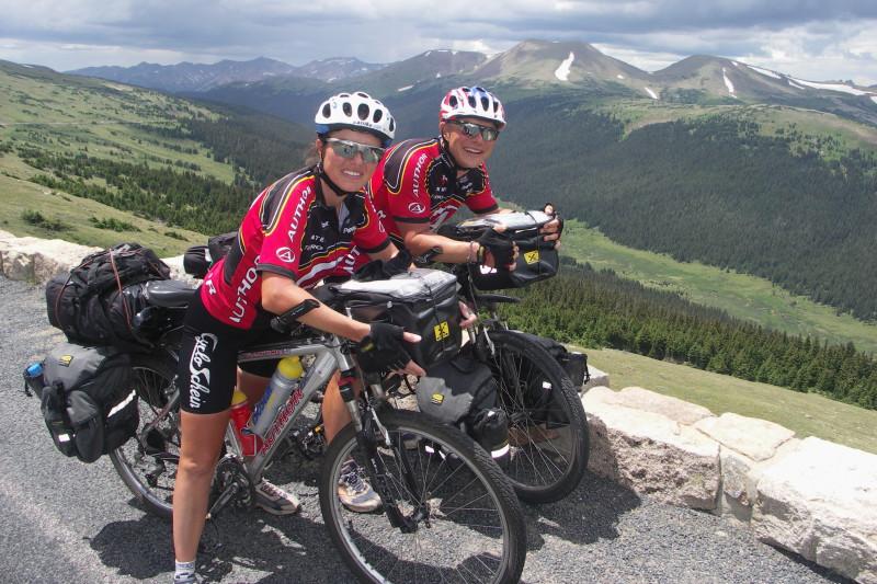 Lucie a Michal Jonovi - cestují spolu na kole už přes 23 let