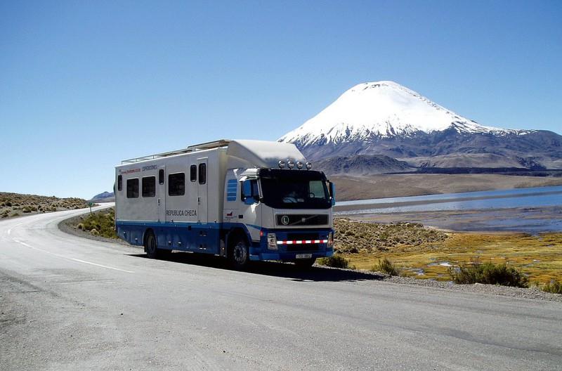 Hotelbusy řídí Bob Stupka již téměř dvě desetiletí
