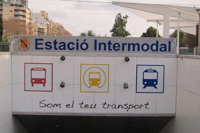 Vstup na nádraží Estació Intermodal, Palma de Mallorca