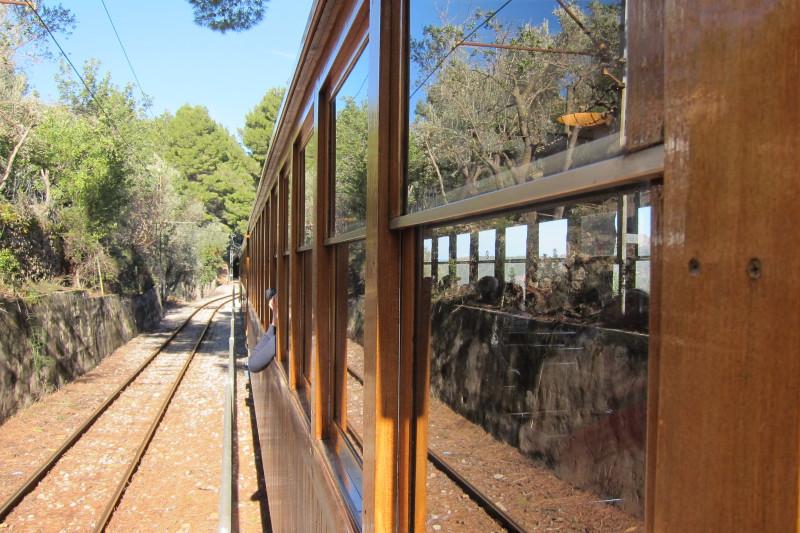 Cestou do Sólleru na plošině mezi vagony
