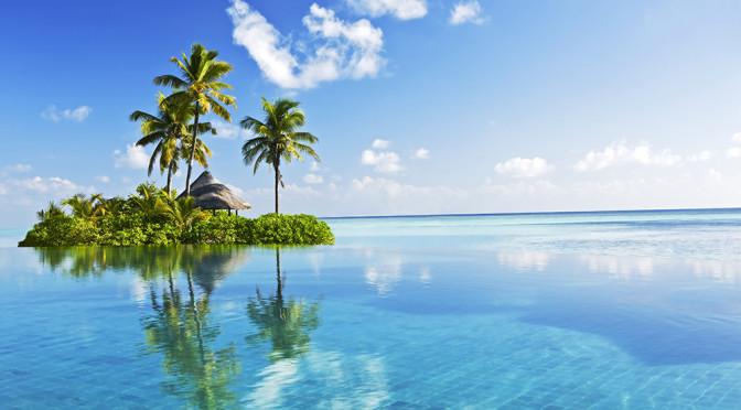 Maledivy - krásný ostrov uprostřed blankytného moře.