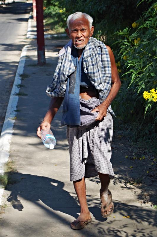 Člověk na ulici neustále naráží na zajímavé lidi.