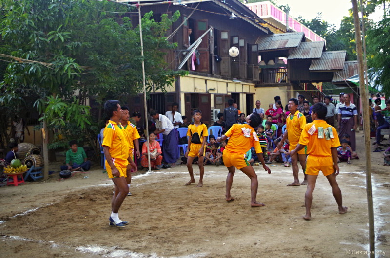 Myanmarský freestyle football.