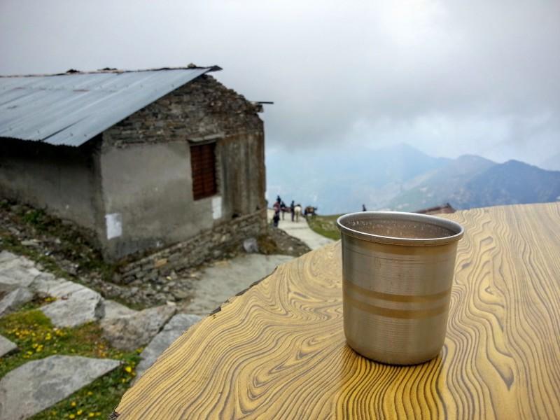 Přišly mraky, přišla zima, byl čas na čaj