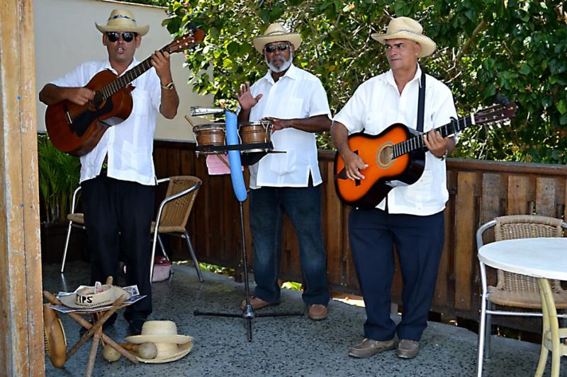 Moje cesta Kubou – 2. část (1. den) – Návštěva dvou z nejkrásnějších měst na Kubě – Matanzas a Havany. První živé kubánské rytmy.