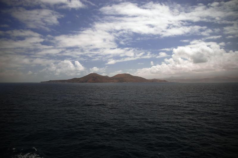 Pohled na ostrov La Palma z lodi.