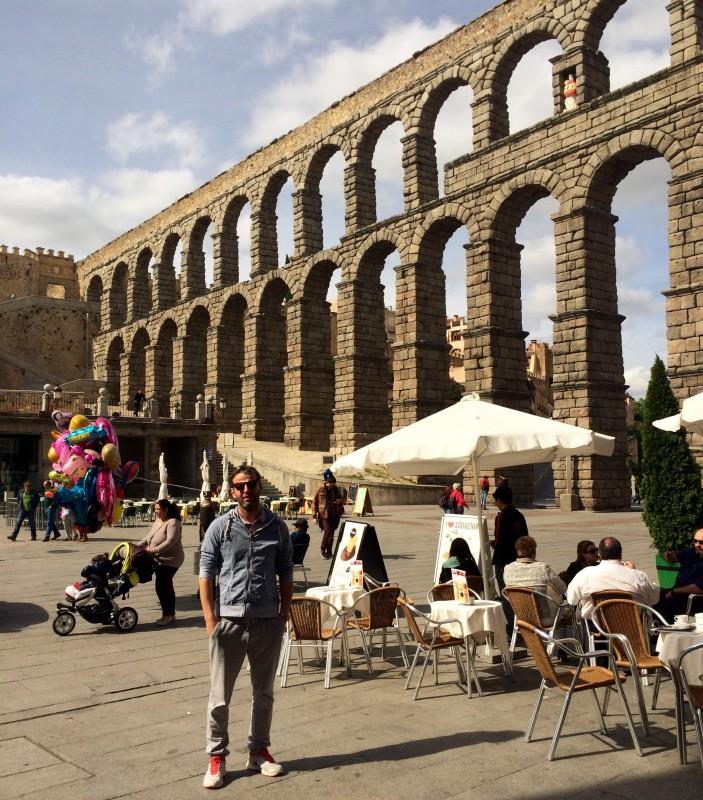 Jiří Partyka - Umělecký ředitel a dramaturg festivalu Lednicko/Valtický hudební festival (LVHF) při procházce městem Segovia ve Španělsku.