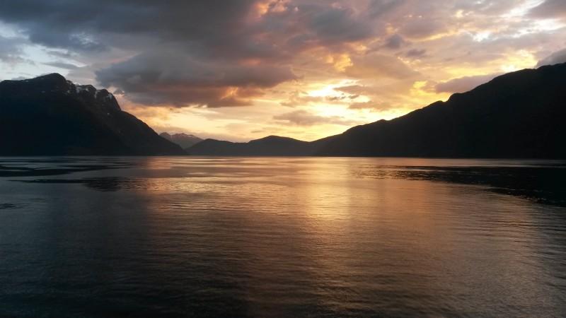 Norské fjordy, západ slunce