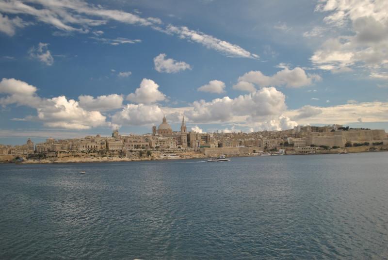 Hlavní město Valleta pozorované od Sliemy
