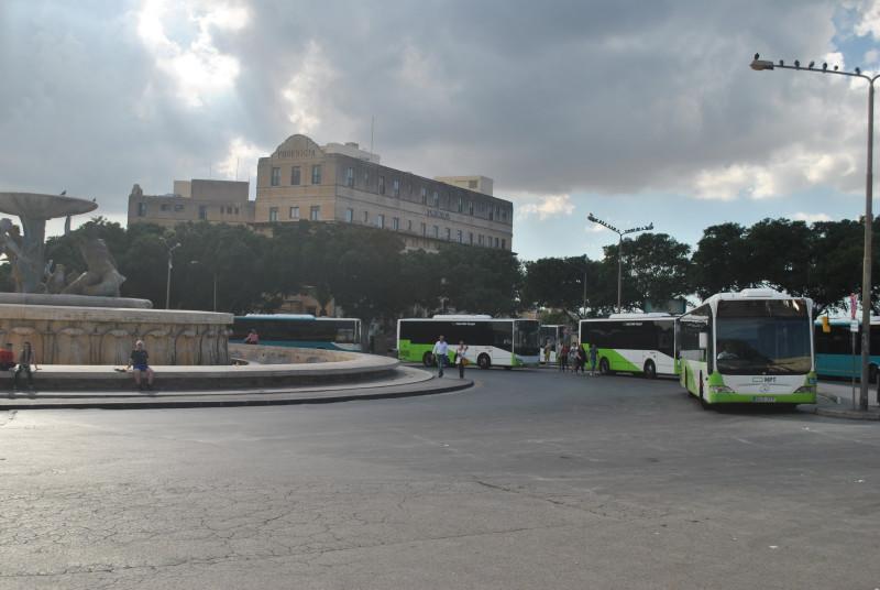 Největší autobusové nádraží před branami Vallety