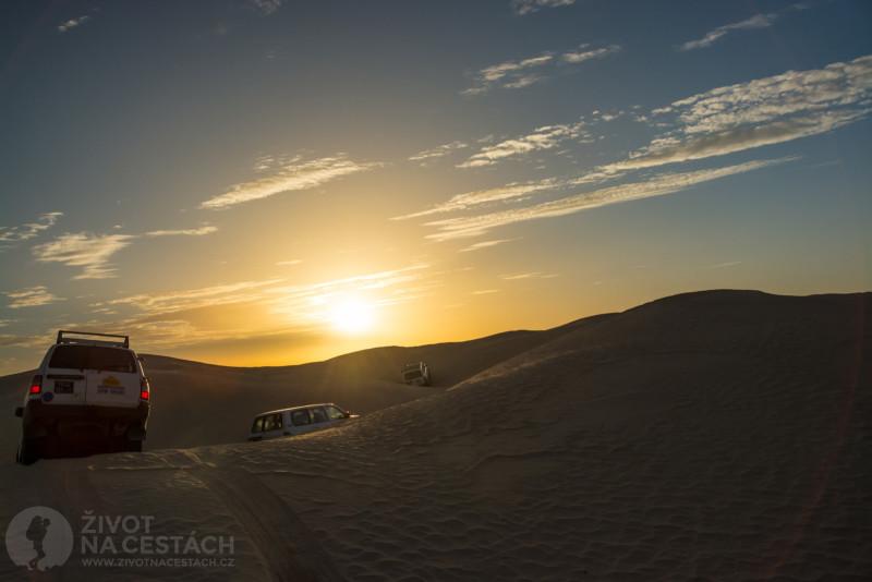 Fotoreport z cesty napříč Tuniskem – Průjezd dunami na Sahaře.