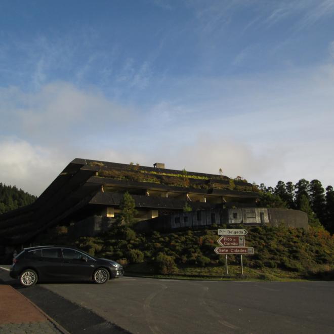 Pohled na Monte Palace od parkoviště