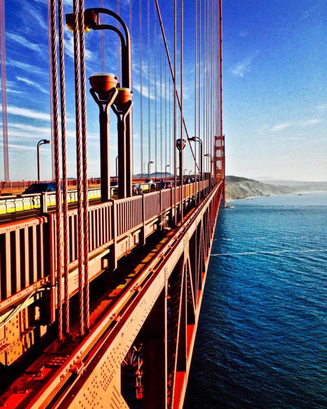 Přejezd mostu Golden Gate Bridge v San Francisku.