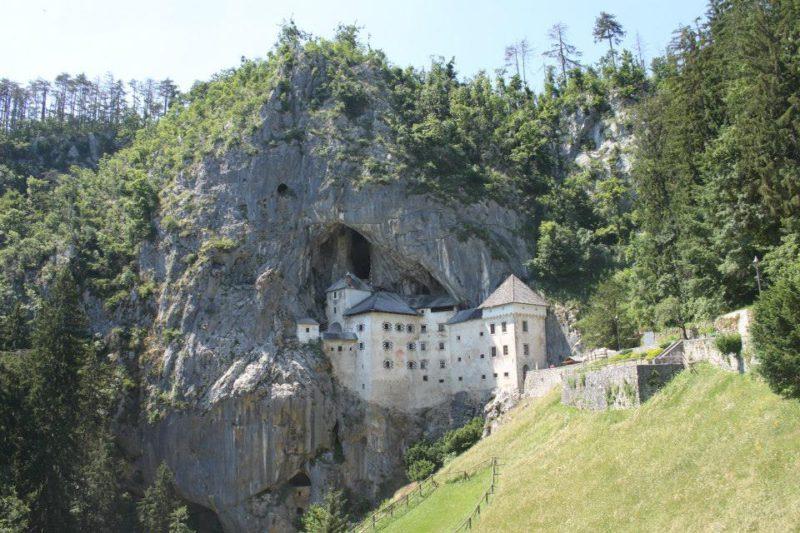Slovinsko – Predjamsky grad. Autor:Patricia Bueno