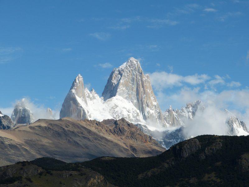 Mount FitzRoy, někdy nazývaná také jako Cerro Chaltén, je hora na hranici mezi Argentinou a Chile. Je nejvyšším vrcholem Patagonských And.