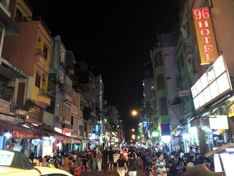 Bui Vien, ulice, která nikdy nespí...