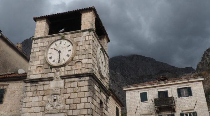 Město historie, turistů, vetešnictví a koček – Kotor, Černá Hora