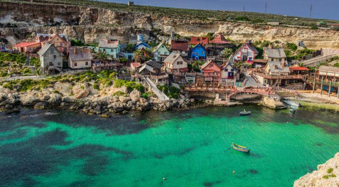 Bojíte se cestovat kvůli špatné angličtině? Pomůže vám jazykový kurz na Maltě.